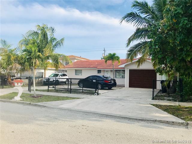 1411 Crestwood Blvd, Lake Worth, FL 33460 (MLS #A10652424) :: The Brickell Scoop