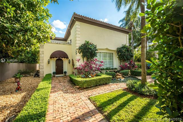 326 Menores Ave, Miami, FL 33134 (MLS #A10652559) :: The Riley Smith Group