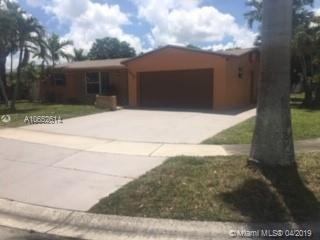 6898 NW 1st Ct, Margate, FL 33063 (MLS #A10652614) :: The Paiz Group