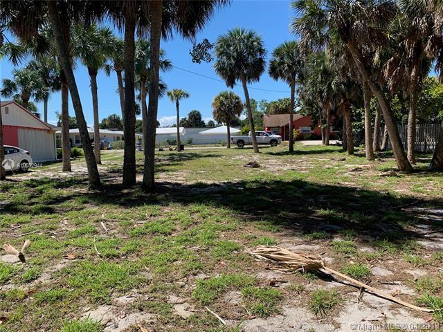 2131 NE Pelican Terrace, Jensen Beach, FL 34957 (MLS #A10652944) :: RE/MAX Presidential Real Estate Group