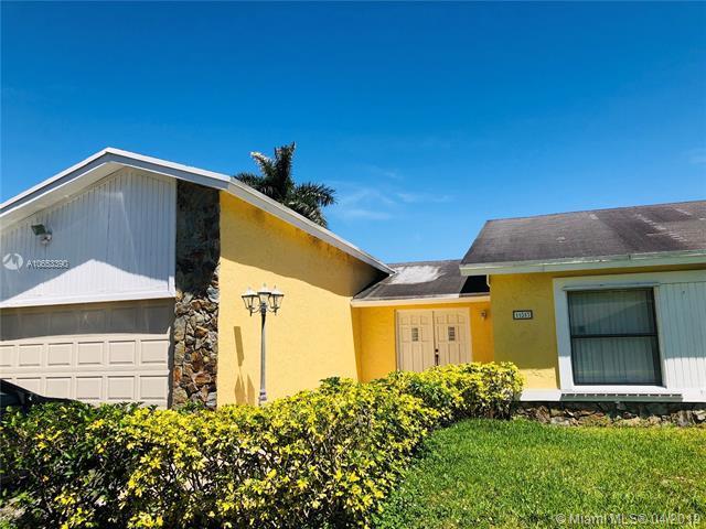 11517 SW 59th Ct, Cooper City, FL 33330 (MLS #A10653390) :: Century 21 Keystone Realty