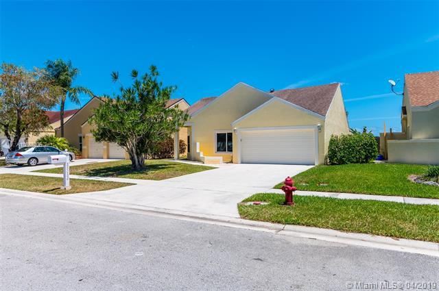 23036 Old Inlet Bridge Dr, Boca Raton, FL 33433 (MLS #A10655206) :: Laurie Finkelstein Reader Team