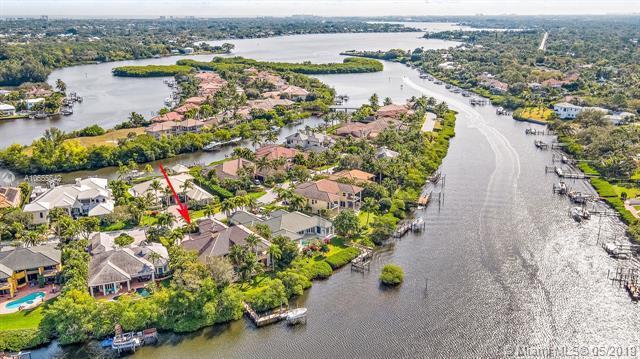 18968 SE Windward Island Ln, Jupiter, FL 33458 (MLS #A10655642) :: Green Realty Properties