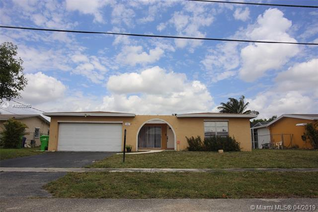 8411 NW 24th Ct, Sunrise, FL 33322 (MLS #A10655960) :: The Riley Smith Group