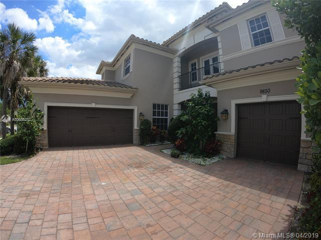9850 Lakeview Ln, Parkland, FL 33076 (MLS #A10656252) :: The Chenore Real Estate Group