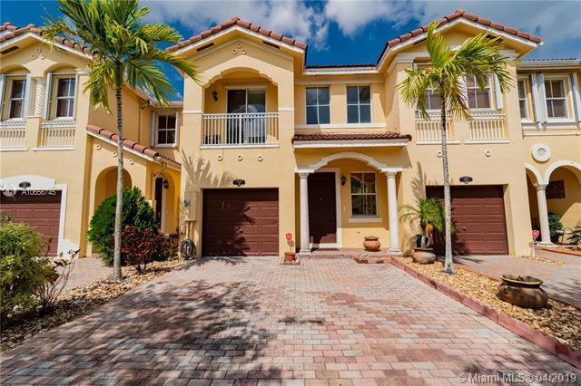 910 SW 151st Pl, Miami, FL 33194 (MLS #A10656745) :: Green Realty Properties