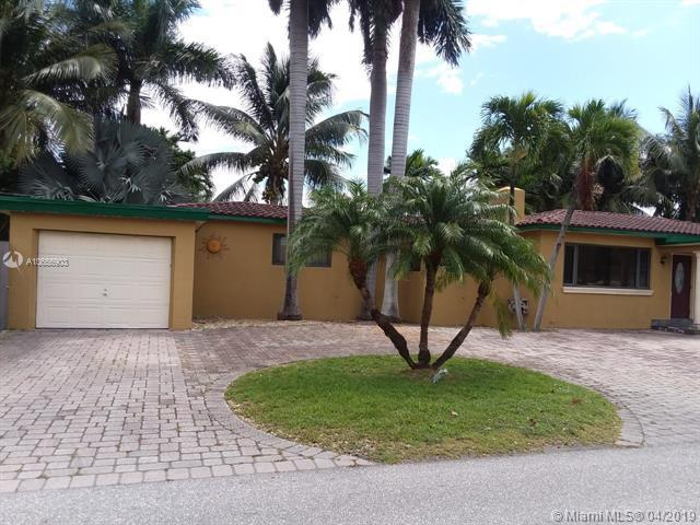707 N 13th Ave, Hollywood, FL 33019 (MLS #A10656903) :: RE/MAX Presidential Real Estate Group