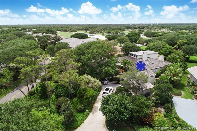 11812 SE Village Drive, Tequesta, FL 33469 (MLS #A10657421) :: The Brickell Scoop