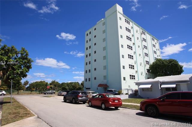 1700 Pierce St #303, Hollywood, FL 33020 (MLS #A10657897) :: Grove Properties