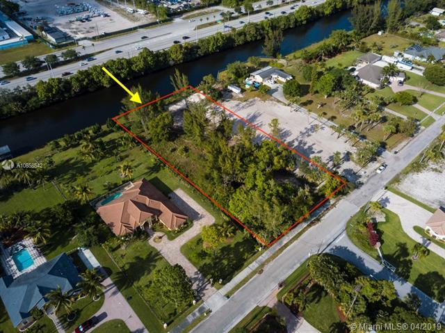 6787 Wilson Rd, West Palm Beach, FL 33413 (MLS #A10658542) :: The Paiz Group