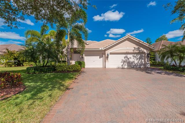 6748 NW 110th Way, Parkland, FL 33076 (MLS #A10659141) :: The Chenore Real Estate Group
