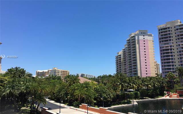 739 Crandon Blvd #301, Key Biscayne, FL 33149 (MLS #A10659264) :: Ray De Leon with One Sotheby's International Realty