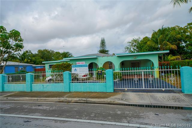 12620 NW 22nd Ave, Miami, FL 33167 (MLS #A10660103) :: The Riley Smith Group