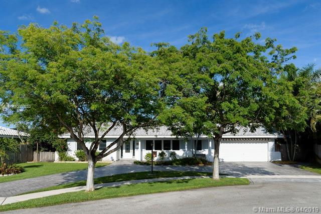 1120 SW 75th Ter, Plantation, FL 33317 (MLS #A10660283) :: The Paiz Group