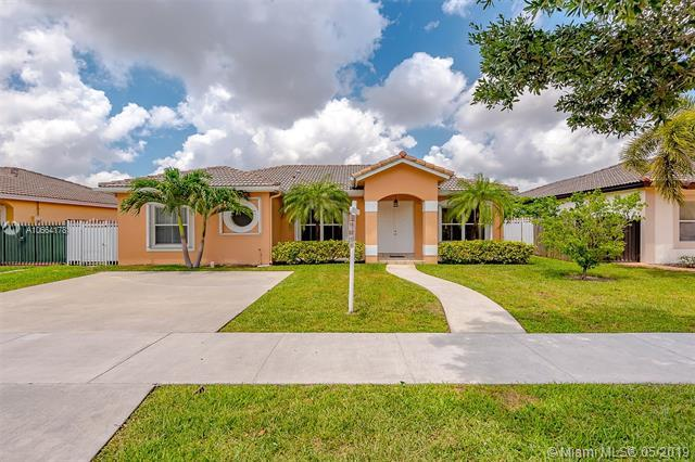 8767 NW 168th Ln, Miami Lakes, FL 33018 (MLS #A10664178) :: The Jack Coden Group
