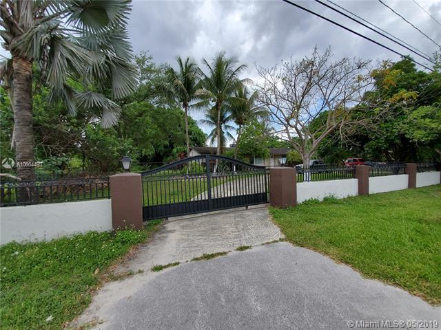 4920 SW 122nd Ave, Miami, FL 33175 (MLS #A10664493) :: The Teri Arbogast Team at Keller Williams Partners SW