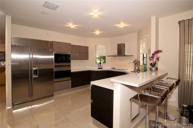 1637 Passion Vine Circle 16-3, Weston, FL 33326 (MLS #A10665419) :: Green Realty Properties