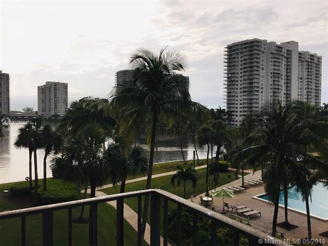 18151 NE 31st Ct #410, Aventura, FL 33160 (MLS #A10665477) :: Grove Properties