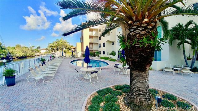 Pompano Beach, FL 33062 :: RE/MAX Presidential Real Estate Group