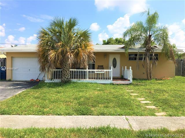 8347 NW 26th St, Sunrise, FL 33322 (MLS #A10667567) :: The Jack Coden Group
