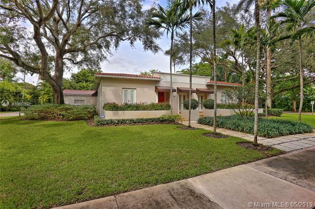701 Camilo Ave, Coral Gables, FL 33134 (MLS #A10667592) :: Green Realty Properties