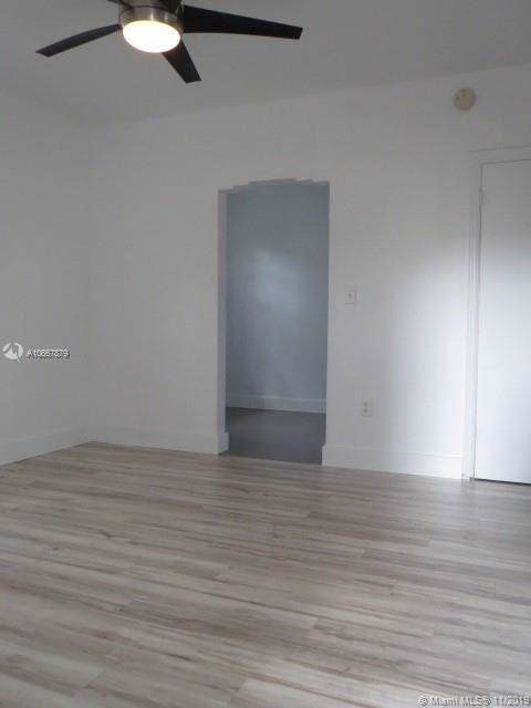 559 62nd St - Photo 1