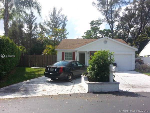11196 Sacco Dr, Boca Raton, FL 33428 (MLS #A10668738) :: Ray De Leon with One Sotheby's International Realty