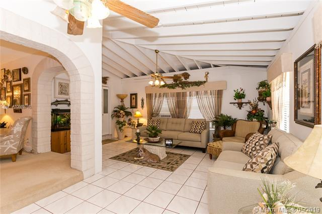1345 SW 22nd Ave, Fort Lauderdale, FL 33312 (MLS #A10669716) :: RE/MAX Presidential Real Estate Group