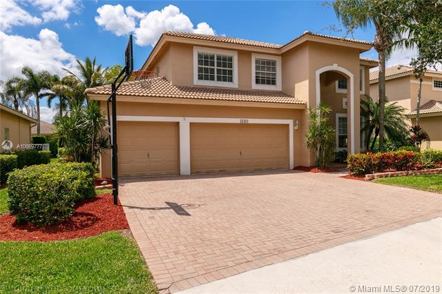 16402 Diamond Head Dr., Weston, FL 33331 (MLS #A10669777) :: Berkshire Hathaway HomeServices EWM Realty