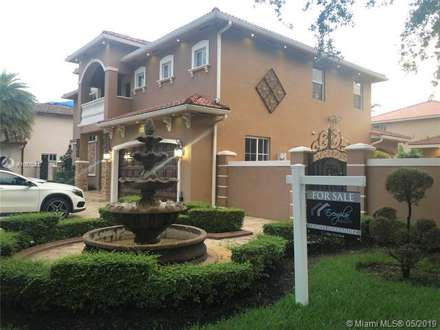 16524 NW 77th Path, Miami Lakes, FL 33016 (MLS #A10670437) :: The Brickell Scoop