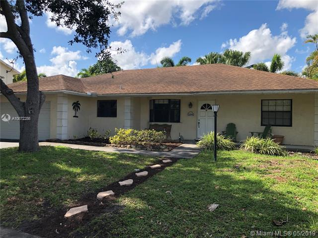 7921 NW 3rd Pl, Plantation, FL 33324 (MLS #A10672286) :: Green Realty Properties