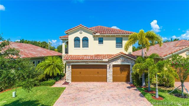 7343 NW 113th Ave, Parkland, FL 33076 (MLS #A10672674) :: RE/MAX Presidential Real Estate Group