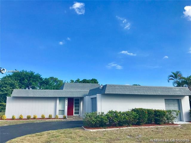 4808 Holly Dr, Tamarac, FL 33319 (MLS #A10673543) :: The Teri Arbogast Team at Keller Williams Partners SW