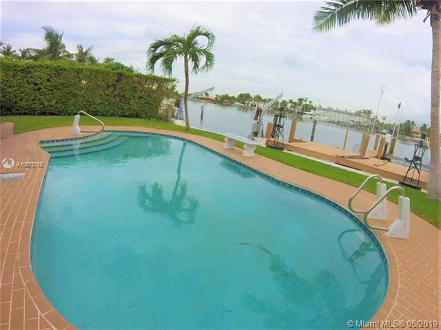 315 N Shore Dr, Miami Beach, FL 33141 (MLS #A10673782) :: Green Realty Properties