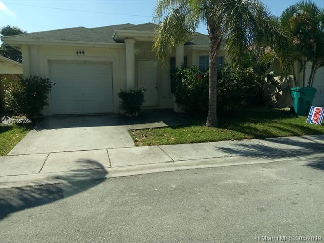 444 Circle Dr S, Boynton Beach, FL 33435 (MLS #A10673964) :: RE/MAX Presidential Real Estate Group