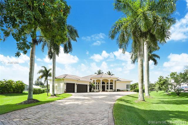 11430 NW 5th St, Plantation, FL 33325 (MLS #A10674080) :: Laurie Finkelstein Reader Team