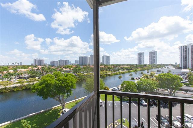 3475 N Country Club Dr #715, Aventura, FL 33180 (MLS #A10674282) :: Ray De Leon with One Sotheby's International Realty