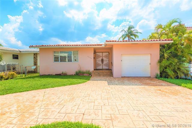 9056 Harding Ave, Surfside, FL 33154 (MLS #A10675348) :: Grove Properties