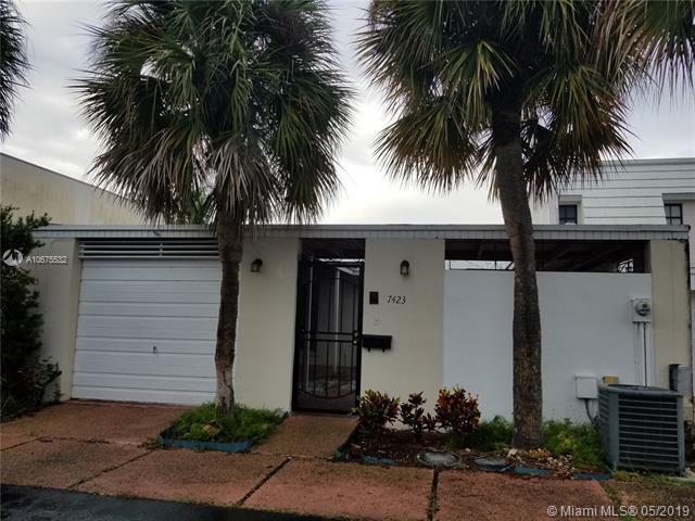 7423 Big Cypress Dr, Miami Lakes, FL 33014 (MLS #A10675532) :: EWM Realty International