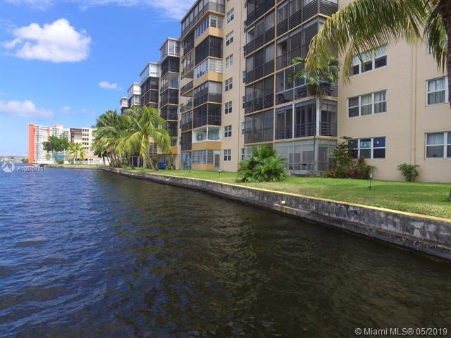 1075 NE Miami Gardens Dr #503, Miami, FL 33179 (MLS #A10675771) :: Grove Properties