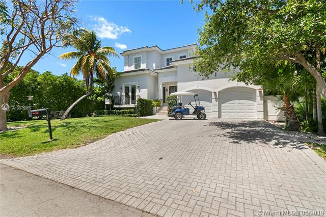442 Ridgewood Rd, Key Biscayne, FL 33149 (MLS #A10675969) :: Ray De Leon with One Sotheby's International Realty