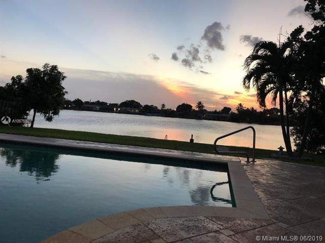 21100 NE 25th Ct, Miami, FL 33180 (MLS #A10676323) :: Grove Properties
