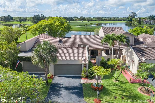 354 Patio Village Ter #354, Weston, FL 33326 (MLS #A10676437) :: Green Realty Properties