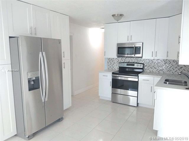 191 Silver Beach Rd, Riviera Beach, FL 33403 (MLS #A10676462) :: RE/MAX Presidential Real Estate Group