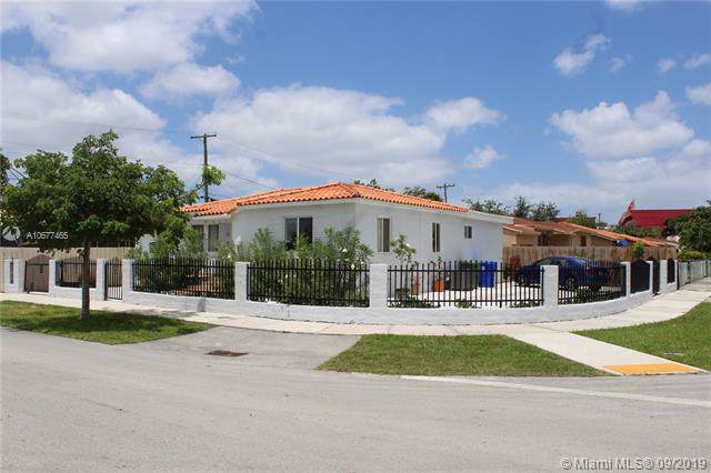 401 NW 39th Ave, Miami, FL 33126 (MLS #A10677465) :: Grove Properties