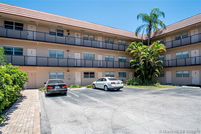 3930 Crystal Lake Dr #107, Deerfield Beach, FL 33064 (MLS #A10677510) :: Berkshire Hathaway HomeServices EWM Realty