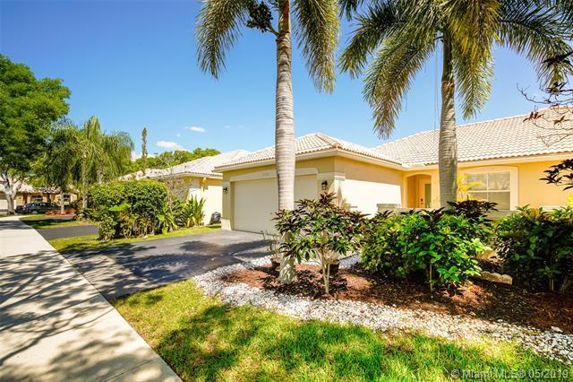 4193 Pine Ridge Ln, Weston, FL 33331 (MLS #A10677855) :: Green Realty Properties