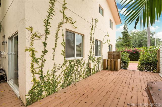 3201 Mcdonald Street #3201, Miami, FL 33133 (MLS #A10677893) :: The Brickell Scoop