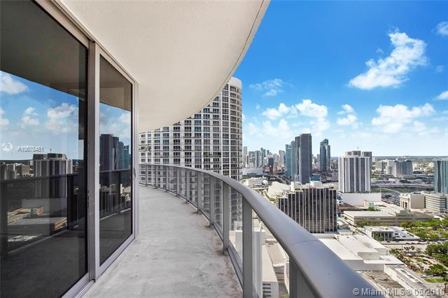 488 NE 18th St #4100, Miami, FL 33132 (MLS #A10678451) :: The Howland Group