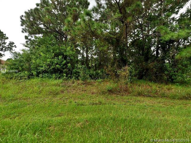 962 SW Cecil Ln, Port Saint Lucie, FL 34953 (MLS #A10678762) :: Green Realty Properties